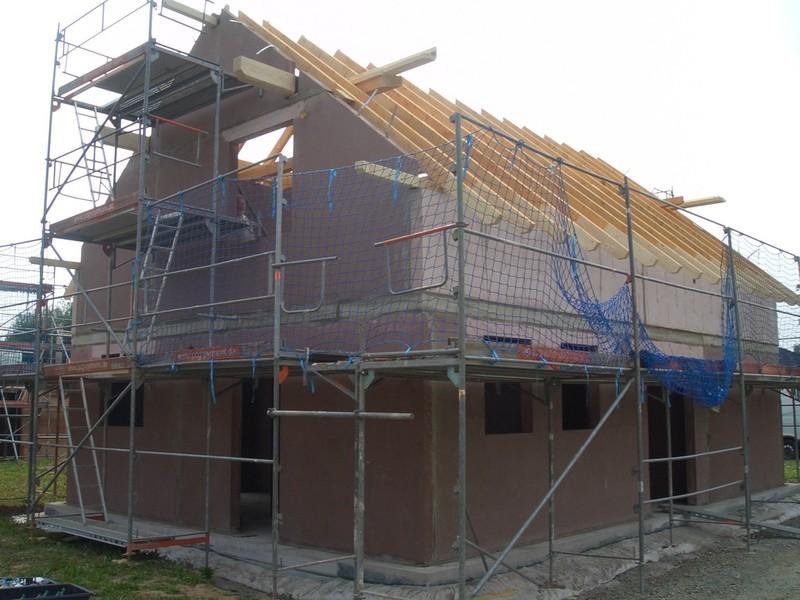 Geschafft, der Rohbau steht, der Dachstuhl ist gerichtet Heute konnte