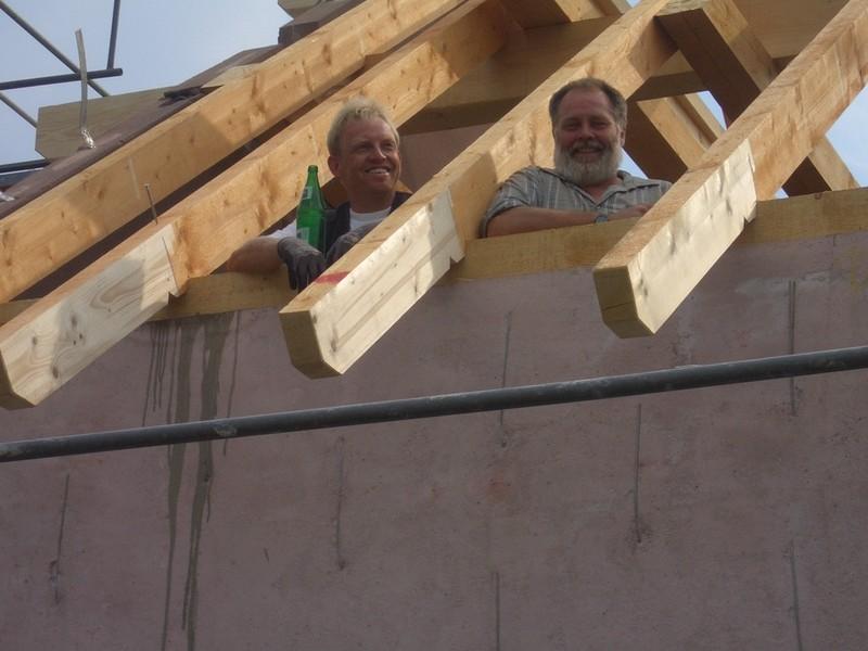 Fenster Bad Pyrmont : Geschafft, der Rohbau steht, der Dachstuhl ist gerichtet Heute konnte