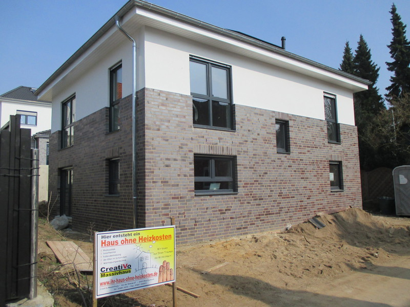 plan und baustudio 30453 hannover stadtvilla mit garage. Black Bedroom Furniture Sets. Home Design Ideas